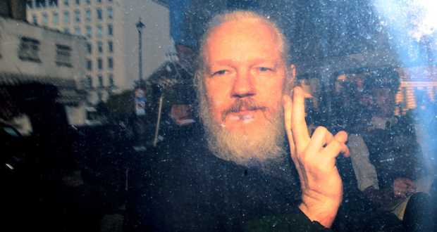 No all'estradizione di Assange, sì a libertà e trasparenza